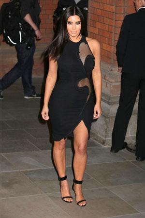 Kim-Kardashian-Aertex